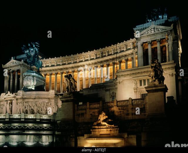 Monumento Vittorio Emanuele night - Stock Image