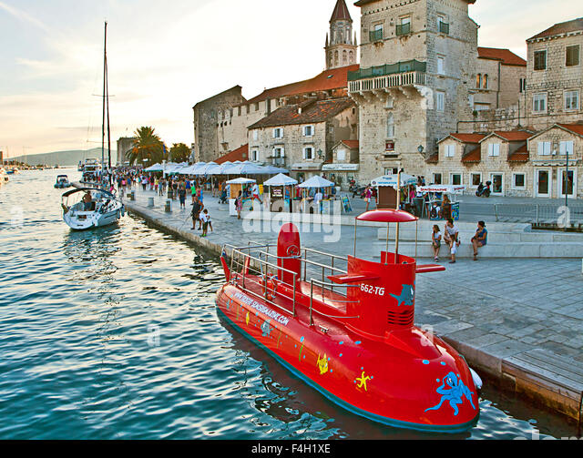 Dubrovnik Glass Bottom Submarine
