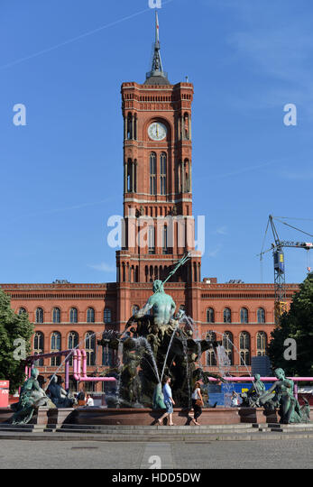 rotes rathaus stock photos rotes rathaus stock images alamy. Black Bedroom Furniture Sets. Home Design Ideas