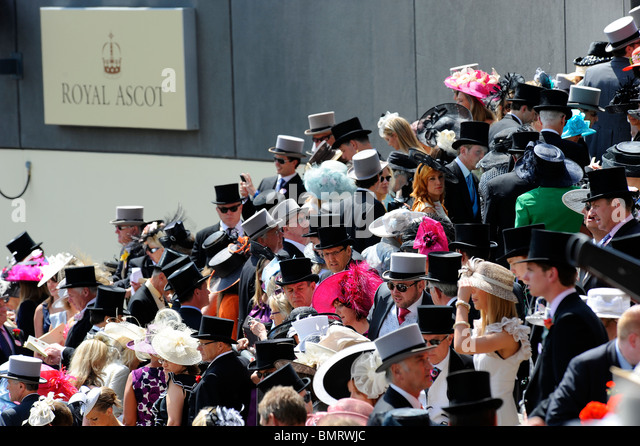 View of race goers in the Royal Enclosure during day three of Royal Ascot 2010 - Stock Image