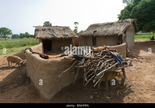 Dagarti household in the village of Sor No. 1, Gonja triangle, Damango district, Ghana. - Stock Image