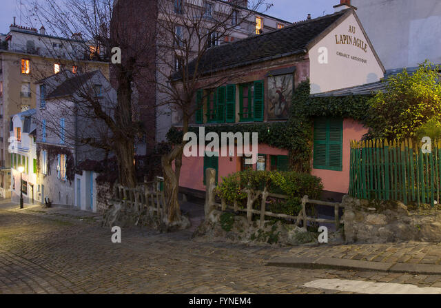 The historic cabaret 'Lapin Agile' in Montmartre Paris France - Stock Image