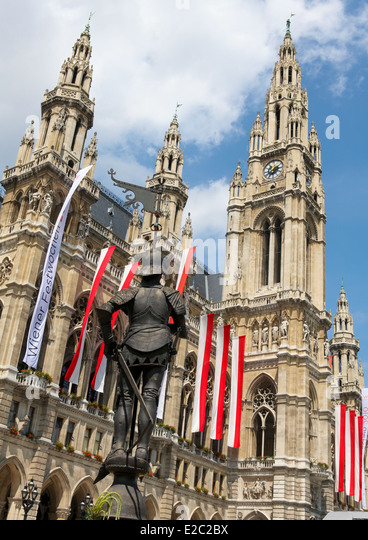 VIENNA, AUSTRIA - MAY 28, 2010: Town Hall or Rathaus in Vienna, Austria. - Stock Image