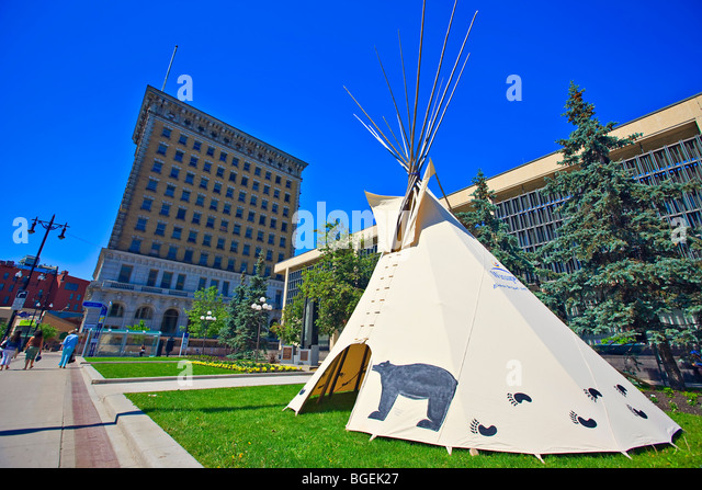 Teepee set up outside the City Hall as part of the National Aboriginal Day celebrations, City of Winnipeg, Manitoba, - Stock-Bilder