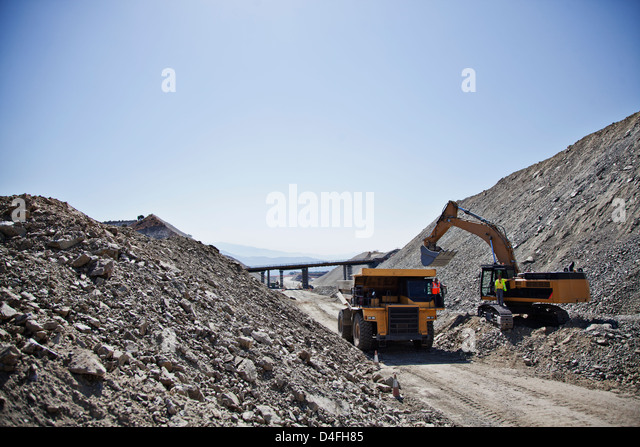 Machinery at work in quarry - Stock Image