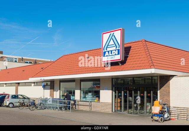 Aldi clothing store