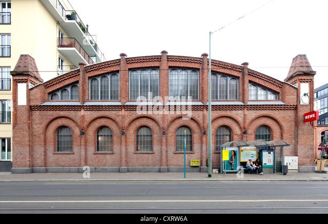 Tram depot stock photos tram depot stock images alamy for Depot frankfurt am main