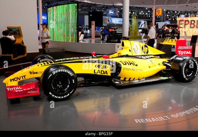 Renault f1 stock photos renault f1 stock images alamy for Credit garage renault