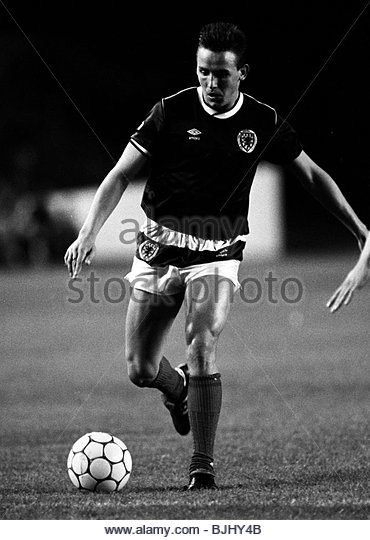 09/09/86 U21 INTERNATIONAL SCOTLAND v WEST GERMANY (1-0) IBROX - GLASGOW Steve Gray in action for Scotland. - Stock Image