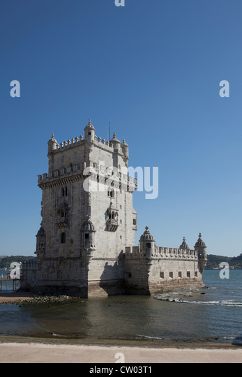 Castle built on coastline - Stock-Bilder