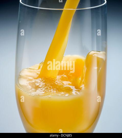 Pour stock photos pour stock images alamy - Pelure d orange pour parfumer ...