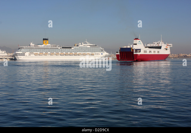 "Balearia Roll on Roll off (Ro-Ro) cargo ferry ""VISEMAR ONE"" – daily midday departure for Barcelona - passing Costa - Stock Image"