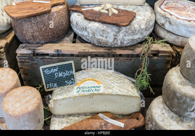 Street market, cheese,  Lourmarin, Provence , Department Vaucluse, Provence, France - Stock Image