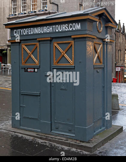 city of Edinburgh Tour Tardis, High St, Scotland, UK - Stock Image