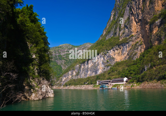 Tourist lodge restaurant in Emerald Green Gorge on Daning River in Little Three Gorges Yangzi River China JMH3387 - Stock Image