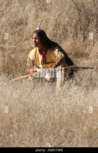 Indian Hunting Bow Stock Photos & Indian Hunting Bow Stock ...