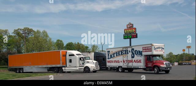 Pilot Travel Centers Truck Stop, Milford, CT. - Stock-Bilder
