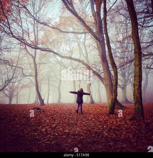 Girl in the woods, Autumn. Yorkshire - Stock-Bilder