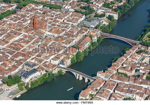 villeneuve sur lot stock photos villeneuve sur lot stock images alamy. Black Bedroom Furniture Sets. Home Design Ideas