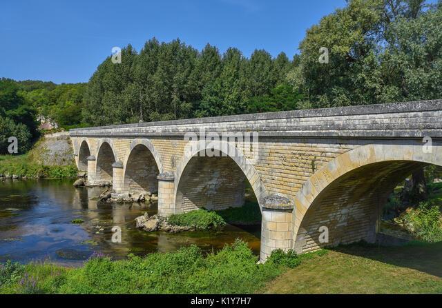 Bridge across river Gartempe, Saint-Pierre-de-Maillé, Vienne, France. - Stock Image
