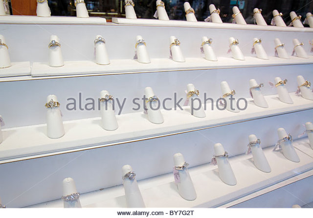 Philadelphia Pennsylvania Diamond District Jewelers Row shopping precious stones gems shopping store window display - Stock Image
