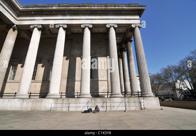 The British Museum tourists and visitors Museum of ancient cultures tourist attraction - Stock-Bilder