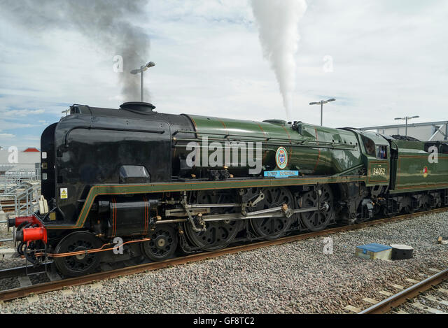 bulleid pacific 4 6 2 steam lo oive hauling the cathedrals express