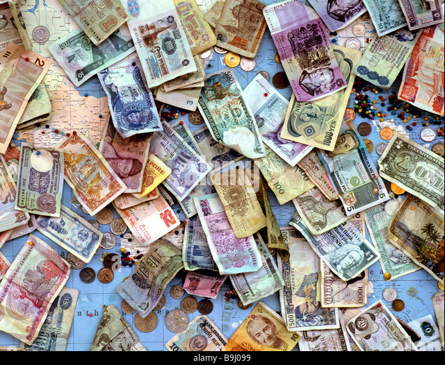 Old banknotes and coins, international currencies, global currencies - Stock-Bilder