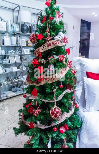 Zara home shop stock photos zara home shop stock images for Zara home christmas decorations