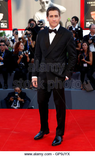 Actor Jake Gyllenhaal attends the red carpet event for the movie 'Nocturnal Animals' at the 73rd Venice - Stock-Bilder