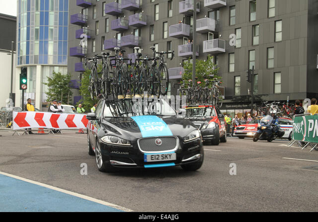London, UK. 07th July, 2014. London, UK. 07th July, 2014. Sky Team broom wagonraces after the rides on Stratford - Stock Image