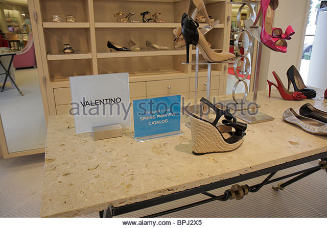 Valentino Shop Stock Photos Valentino Shop Stock Images Alamy