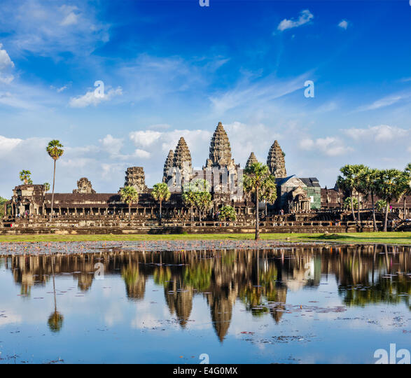 Cambodia landmark Angkor Wat with reflection in water - Stock-Bilder