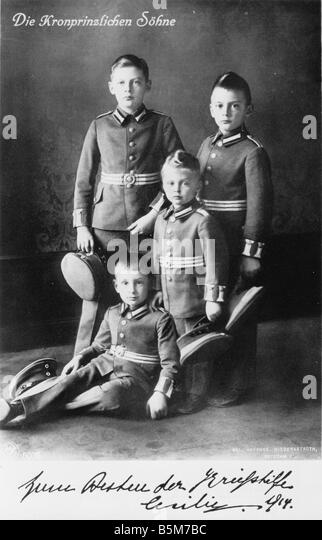 1 L658 K1914 3 E Louis Ferdinand and brothers 1914 Louis Ferdinand Prince of Prussia 1907 1994 Sons of the Crown - Stock Image