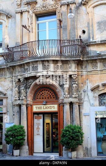 Baroque building in noto sicily stock photos baroque for Baroque italien