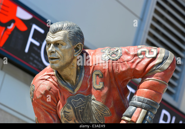 Hockey Legend Stan (Stanislav) Mikita of the Chicago Blackhawks, Statue outside United Center, Chicago, Illinois, - Stock Image