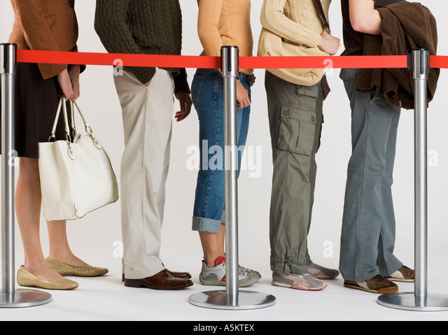 group of people standing in line - Stock-Bilder