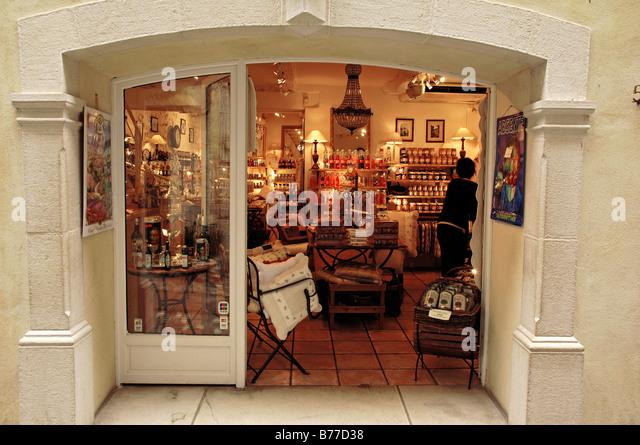 Shop, Saint-Paul de Vence, Alpes-Maritimes, Provence-Alpes-Cote d'Azur, Southern France, France, Europe - Stock Image