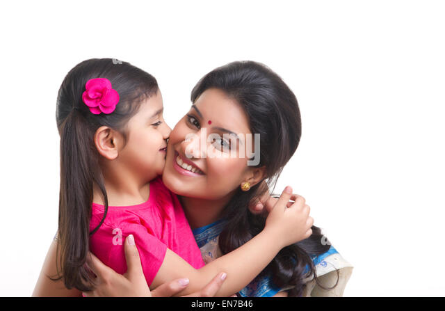 Is mom neck daughter on of photos kissing