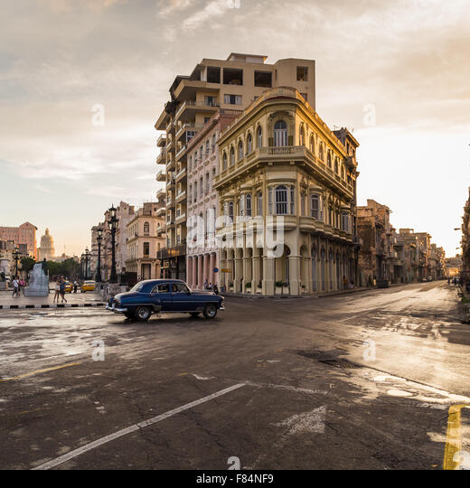 The junction of San Lazaro & the Prado lit up in beautiful golden light as the sun begins to set. - Stock Image