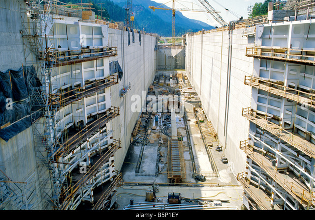 Bonneville dam stock photos bonneville dam stock images for Construction bonneville