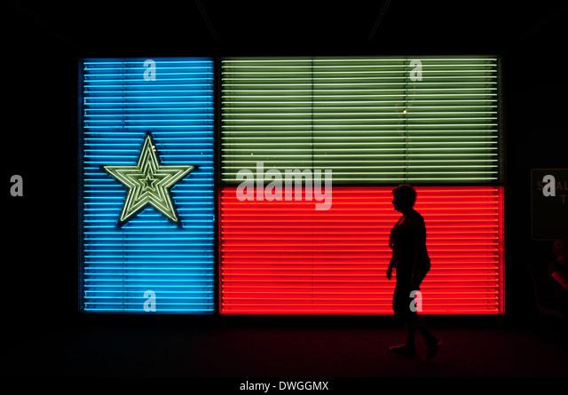 A neon Texas flag at the Institute of Texan Cultures in San Antonio, Texas. - Stock-Bilder
