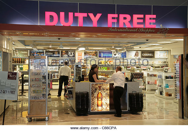 Brooklyn New York City NYC NY John F. Kennedy International Airport JFK terminal concession duty free shopping liquor - Stock Image