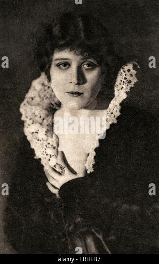 Theda Bara - American silent movie star - portrait 29 July 1885 - 7 April 1955. Born Theodosia Goodman - - Stock-Bilder
