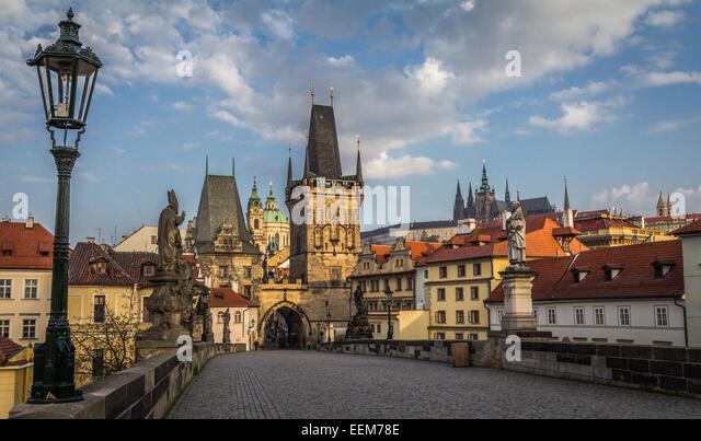 Czech Republic, Prague, View of Mala Strana bridge tower and Prague Castle from Charles Bridge - Stock Image