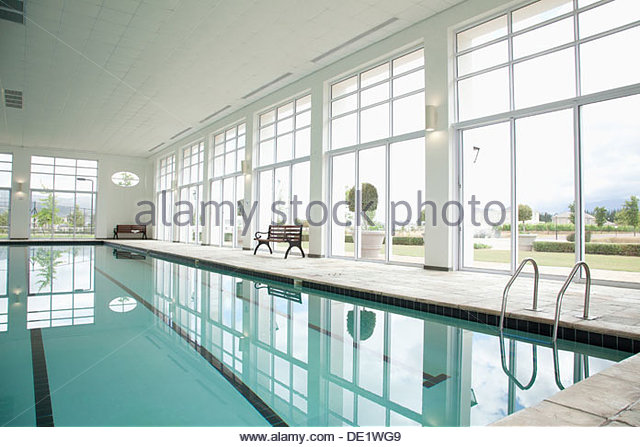 Indoor swimming pool - Stock-Bilder