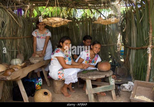 Traditional Mexicna Children In Hand Made Hut - Stock Image