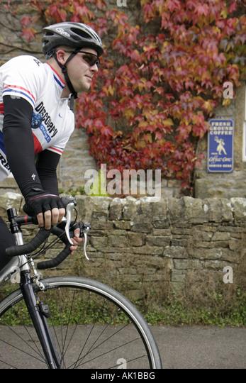 UK, England, Yorkshire Dales National Park, Burnsall, man, bicycle, cyclist, - Stock Image