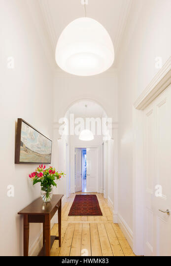 View from front door down hallway. Hawthorne House, Melbourne, Australia. Architect: Annie Lai Architects, 2013. - Stock-Bilder