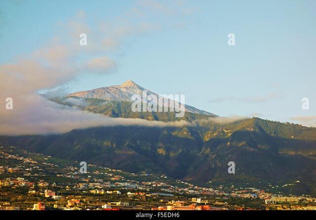 Pico del Teide and Orotava Valley, Tenerife, Canary Islands, Spain, Atlantic, Europe - Stock-Bilder